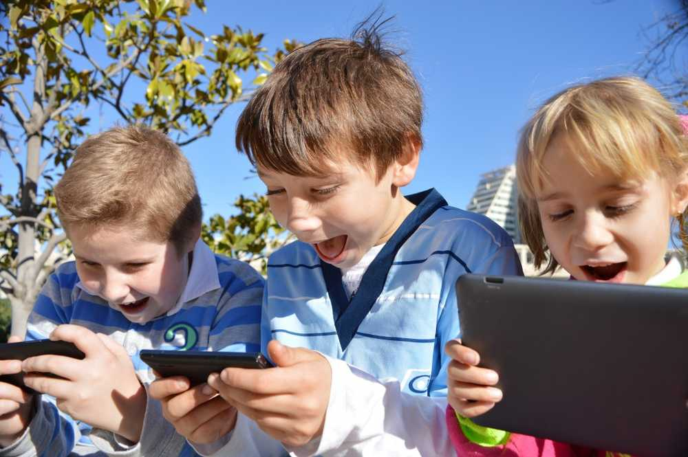 Too early tablet and smartphone use Cause of speech delay in many infants? / Health News