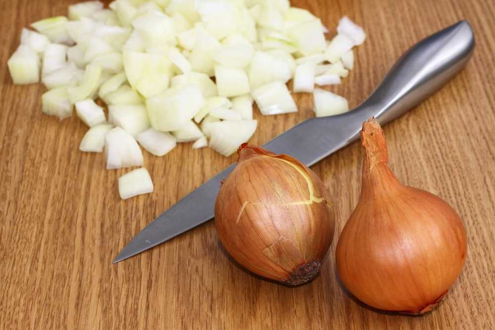 Onion cutting without howling